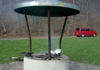 Bausätze für Grill mit Dach & Funkenfang